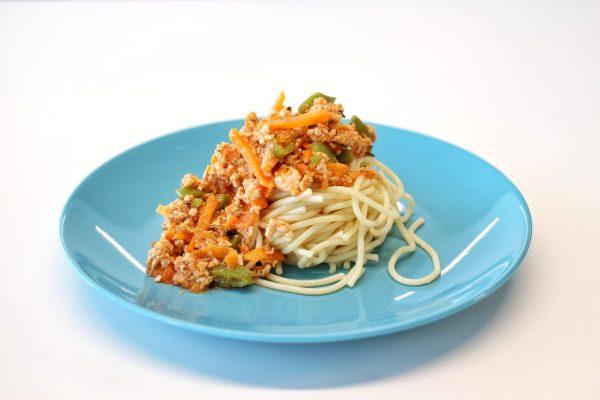 Prato Carne - Bolonhesa de Peru com Esparguete