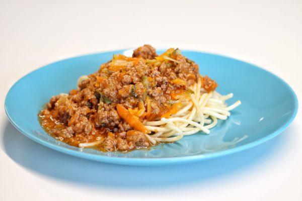 Prato Carne - Bolonhesa de Vitela e Legumes com Esparguete